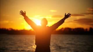 gloria a nuestro dios en lo alto de los cielos