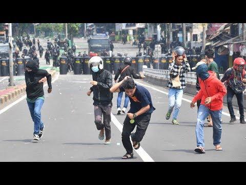 В Джакарте протестуют