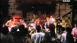 The Brand New Heavies with Large Professor & The Pharcyde pt 2 of 3