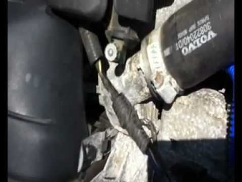 2004 Volvo S40 LSE Coolant Temperature Sensor Replacement - YouTube