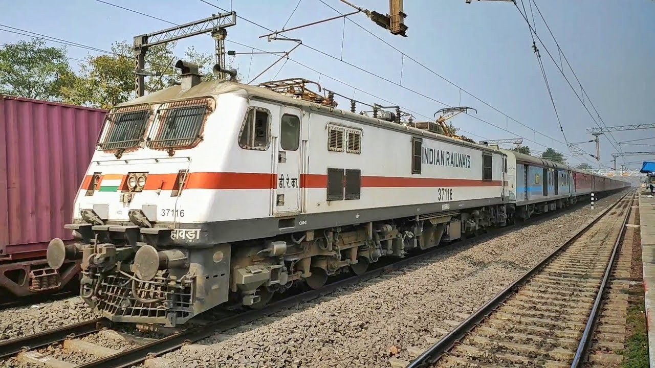 Scorching Encounter | Raging Howrah Rajdhani brutally chases ANVT SF and enthralls Jaugram at 130 +