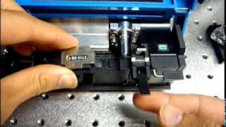 Cleaving Optical Fiber with Ericsson EFC-11 Fiber Cleaver (tutorial)