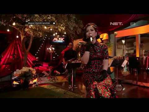 Astrid - Mendua (Live at Music Everywhere) **