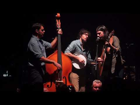 """Avett Brothers """"Pretty Girl From Annapolis"""" Chicago Theatre, Chicago, IL 11.10.17 Night 2"""