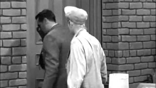 I Love Lucy - TV Blooper - Fred Mertz Visible Off-Set