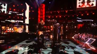 Usher & Adam Levine  superstition live@ the voice