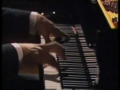 Suggestion Diabolique from the film Andrei Gavrilov talks and plays Prokofiev ( with M.Bercly)