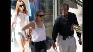 Lindsay Lohan Leaves Rehab To Shop With Dad Michael