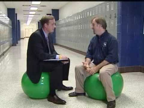 Local Teacher Replaces Desk Chairs With Yoga Balls Youtube