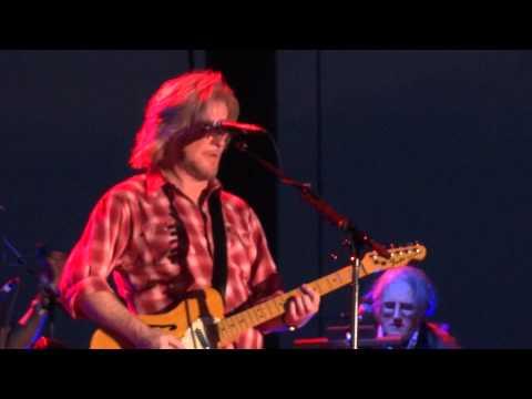 Hall & Oates 'Sara Smile' in Lincoln, CA on 9/11/11