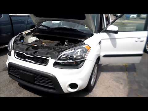 How to replace a Kia Soul Head lamp Bulb