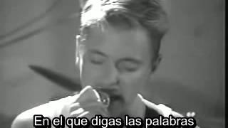New Order - Bizarre love triangle (Subtítulos en español)