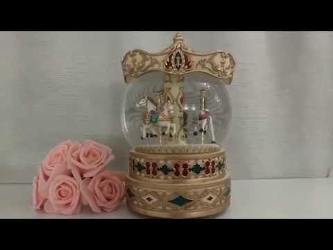 Vintage Rare 3 Horse Carousel Musical Rotating Water Snow Globe Gift Collectable