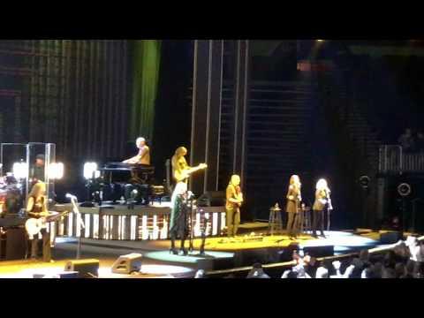 "Stevie Nicks - ""STAND BACK"" Atlanta 11-6-2016"