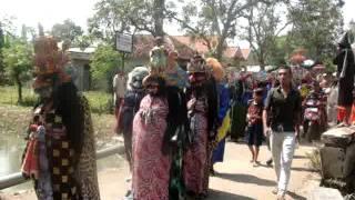 Video Kesaktian Pancasila - Suku Dayak Hindu Budha Bumi Segandu Indramayu download MP3, 3GP, MP4, WEBM, AVI, FLV November 2018
