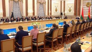 Лукашенко призывает СМИ не пытаться раздувать пламя из белорусско-российских споров