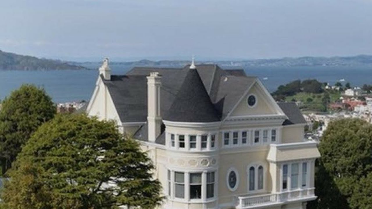 look at nancy pelosi s house do you see the one shocking detail rh youtube com pelosi home in dc pelosi home photo