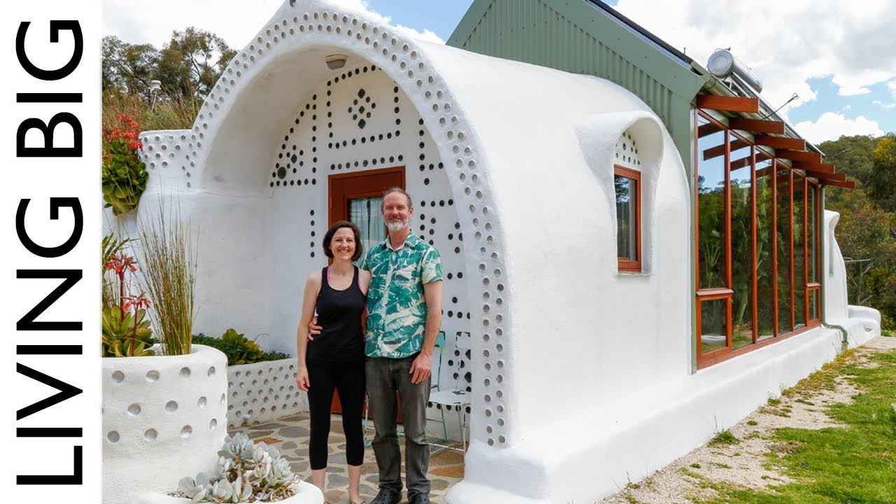 Incredible Small Off Grid Earthship Home Youtube