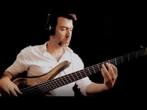 Slap Bass Solo in a FANNED FRET BASS