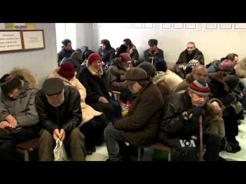 More Russians Live in Poverty As Economy Shrinks