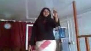 Download Video بت الابيض ترقص علي اوتار MP3 3GP MP4