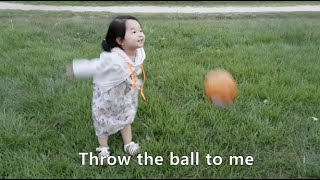 Kid Learning English #7 - Outdoor Playground Play with Ball, Fun Play Ball Toys 공놀이 영어 표현