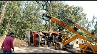 Crane Got Accident While Lifting Truck, funny jcb video