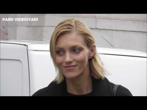 VIDEO Anja RUBIK attends Paris Fashion Week 4 march 2019 show Stella McCartney