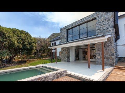 Top Billing visits a beautiful Noordhoek beach home | FULL INSERT