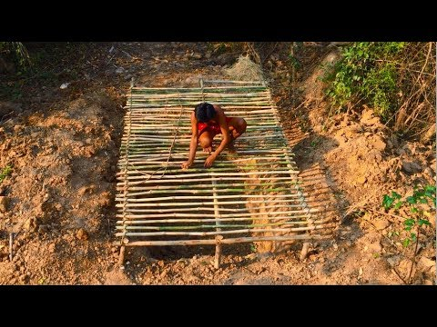 Secret Of Primitive: Build wooden house underground