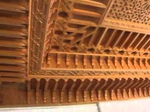 YouTube Plafond artisanal marocain en bois sculpt  YouTube