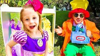 Nastya và bố chơi trong cửa hàng