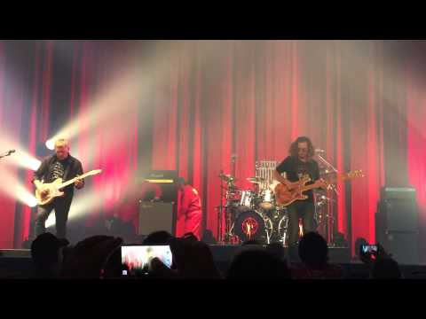 Flashback: Rush Resurrect 1975's 'Anthem' at Kickoff of Final Tour