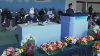 Jalsa Salana UK 2009 - Day 1: Kis Qadar Zahir Hai Noor (Poem) - Part 2