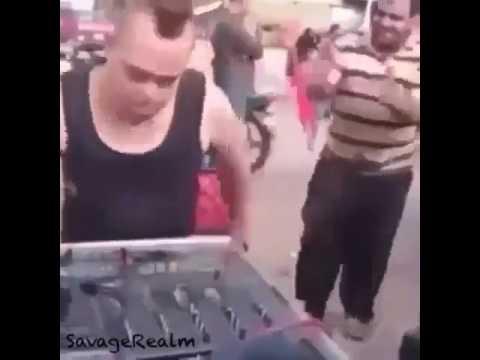 Autistic DJ plays Mask Off
