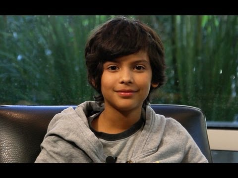 Exclusive : Parenthood Star Xolo Mariduena Teases Guest Star Scoop & Family Guy Gig