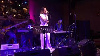 Download Lagu LOREN ALLRED - NEVER ENOUGH (KATRINA VELARDE) LIVE! Mp3