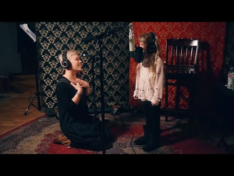 P!nk & Willow Sage Hart (P!nk's Daughter) - A Million Dreams/A Million Dreams (Reprise)