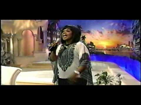 CeCe Winans Sings--