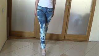 Отбеливание джинсов(http://bit.ly/1JJ7GkB Этим отбеливателем получается делать рисунки не только на джинсах, но и на тонких вещах из..., 2014-07-31T13:43:37.000Z)