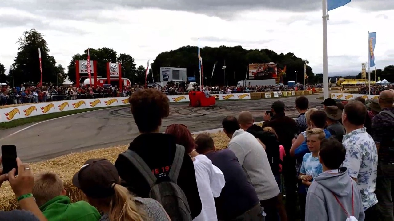 Edd China Doing Donuts On The Sofa Carfest 2017 Youtube