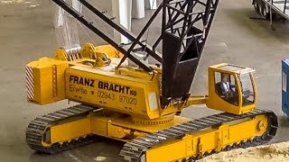 INCREDIBLE RC Crane builds up an industrial building!