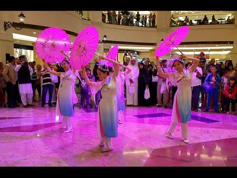 Chinese Umbrella Dance  :  伞舞