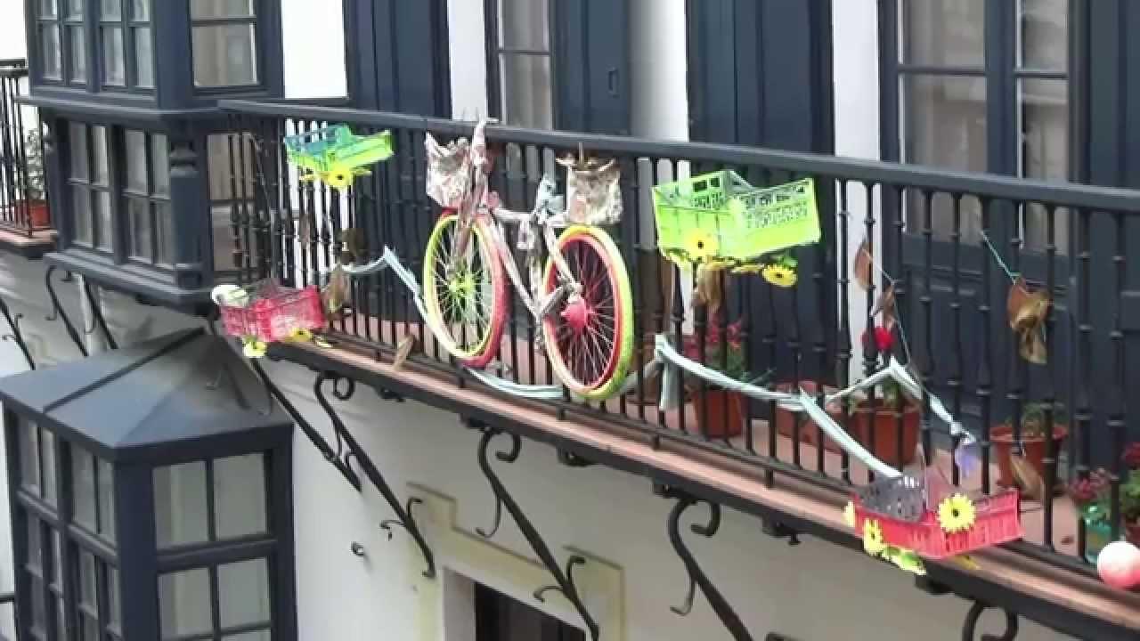 I concurso de decoraci n de balcones y miradores del casco for Decoracion de balcones navidenos