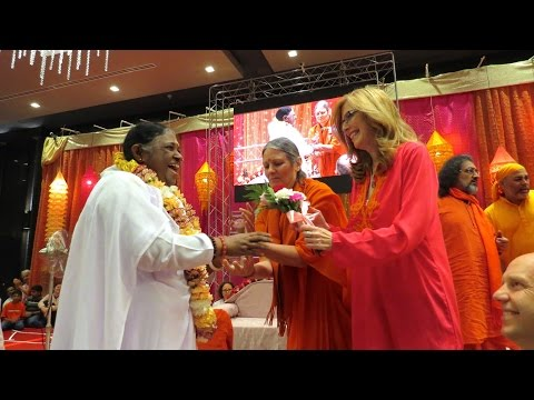 Golden Goody Award for Amma Amritanandamayi Devi at Los Angeles