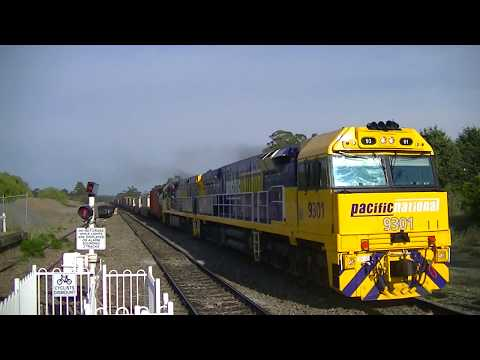 Australian Trains: Pacific National Container train to brisbane 28/9/12