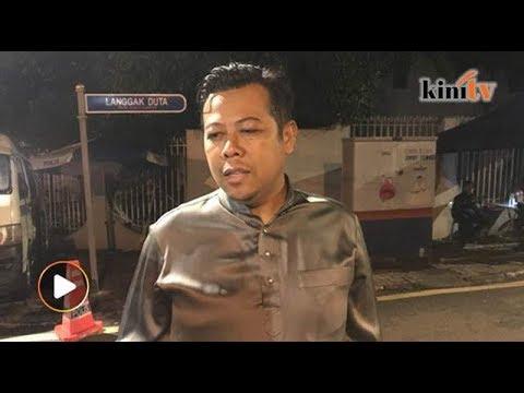 11.30pm: KP Umno WP lawat Najib, kesal bekas pemimpin dilayan begini