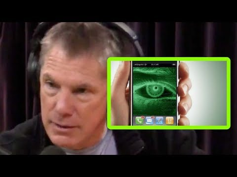 Ex-CIA Officer: Your Phone Might Be Listening to You - Joe Rogan and Mike Baker