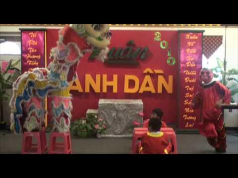 Mua Lan Lion Dance-Chuc Tet Van Nghe Tet Canh Dan 2010 Trung Viet Ngu Hue Quang