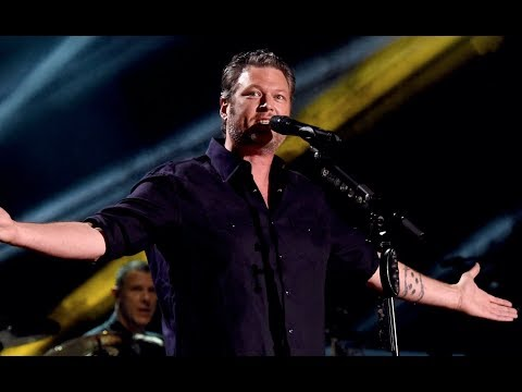 "The Real Story Behind Blake Shelton's ""I'll Name the Dogs"""